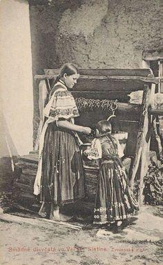 Zvolenská Slatina (Podpoľanie) Types Of Weaving, Heart Of Europe, Folk Costume, Traditional Design, Historical Photos, Folklore, Eastern Europe, Celtic, Character Design