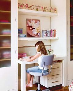 Escritorios para ni as on pinterest mesas cute desk and for Escritorios baratos madrid
