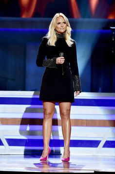 Miranda Lambert at the annual Academy of Country Music Honors Styled by Tiffany Gifford and wearing Jennifer Fisher's silver small multi hoop earrings & silver double finger loop ring Country Women, Country Girls, Country Music, Country Singers, Miranda Lambert Photos, Gisele Bundchen, Blake Shelton, Ex Husbands, Leonardo Dicaprio