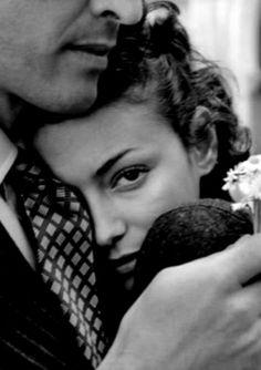 1956 - Photo by Robert Doisneau - @~ Mlle