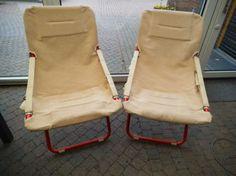 Inklapbare stoelen 2 stuks  Prijs: € 4,00