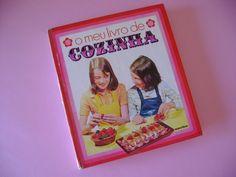 Livro de Cozinha. Ainda hoje faço receitas deste livro...