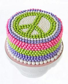 Pearl candies peace cake Peace Cake, Cupcake Cookies, Cupcakes, Neon Cakes, Cake Decorating Tips, Girl Cakes, Candy Buffet, Party Cakes, Cupcake Ideas