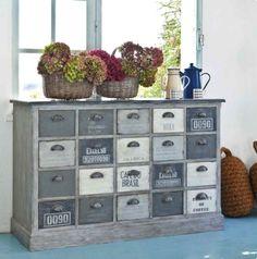 m bel aufpeppen mit der serviettentechnik oder decoupage florale motive diy furniture upcycle. Black Bedroom Furniture Sets. Home Design Ideas
