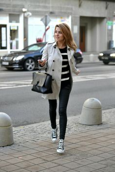 Trench, stripes, Converse= classic
