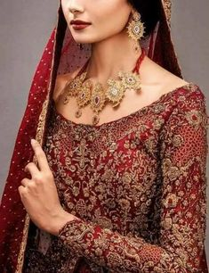 Bridal lahnga with pure dabka loaf work naqshee crystals and nagh work – Nameera by Farooq Asian Bridal Dresses, Simple Pakistani Dresses, Pakistani Bridal Dresses, Pakistani Dress Design, Dulhan Dress, Walima Dress, Indian Wedding Outfits, Bridal Outfits, Indian Weddings