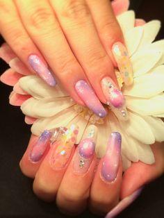 ハンドジェルネイル 【PETZ Dolce】 http://nail-beautynavi.woman.excite.co.jp/design/detail/339010?pint ≪ #nail #nails #nailart #softgel #purple #pink #秋ネイル #ネイル #タイダイ #タイダイネイル ≫