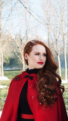Cheryl Blossom Riverdale, Riverdale Cheryl, Riverdale Cast, Betty Cooper Riverdale, Cheryl Blossom Aesthetic, Madelaine Petsch, Red Aesthetic, Girl Crushes, Red Hair