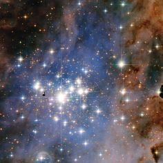 Dazzling diamonds - this NASA/ESA Hubble Space Telescope image features the star cluster Trumpler One of the largest gatherings of hot, massive and bright stars in the Milky Way, this cluster houses some of the most luminous stars in our entire galaxy. Hubble Photos, Hubble Images, Cosmos, Carina Nebula, Space Photos, Space Images, Star Cluster, Hubble Space Telescope, Astrophysics