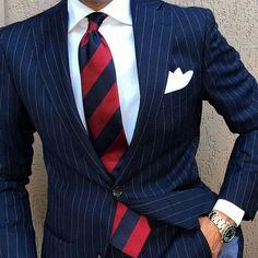 Blue Pinstripe Suit, Blue Suit Men, Blue Suits, Men's Suits, Best Suits For Men, Cool Suits, Mode Masculine, Suit Combinations, Der Gentleman