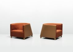 Hepworth is a distinctive and graceful seating range for lounge and dining environments. The compact tub sofas are specifically designed to fit neatly into awkward spaces, particularly room corners. Hepworth's shape gives the user a sense of space from adjoining chairs, without compromising on comfort.