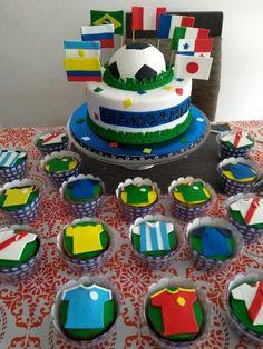 Nuestro Dulce Negocio Fútbol Mundial Soccer Birthday Parties, Soccer Party, Birthday Cake, Flags Of The World, Ikebana, World Cup, Fondant, Cake Decorating, Birthdays