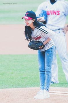 Twice-Nayeon 180401 First Pitch 2018 KBO League Armored Core, Nayeon Twice, Im Nayeon, Girl Group, Asian Girl, Dress Skirt, Kpop, Outfits, Twins