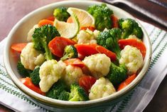Steamed Vegetables Recipe How To Cook steamed vegetables chile lime butter recipe Source: website steaming veggies cooking sugar Sourc. Steam Vegetables Recipes, Boiled Vegetables, Steam Recipes, Steam Veggies, Vegetable Recipes, Tempura Vegetables, Red Vegetables, Vegetable Ideas, Healthy Vegetables