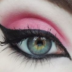 Lovey Dovey eye shadow by Concrete Minerals Vibrant pink w/ gold sparkle. This bright and pretty pink has a gold sparkle to it. This color is safe for use all over and looks amazing on lips with a bit of clear gloss or as a blush! Gorgeous Makeup, Pretty Makeup, Simple Makeup, Beauty Tips For Skin, Natural Beauty Tips, Eyeshadow Designs, Concrete Minerals, Mineral Eyeshadow, Glitter