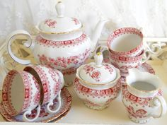 Hey, I found this really awesome Etsy listing at https://www.etsy.com/listing/183921600/vintage-tea-service-porcelain-teapot