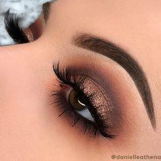 Brown Smokey Eye Makeup, Bronze Smokey Eye, Bronze Eye Makeup, Makeup Looks For Brown Eyes, Makeup Eye Looks, Eye Makeup Art, Makeup For Green Eyes, Eyeshadow Makeup, Eyeshadow For Brown Eyes