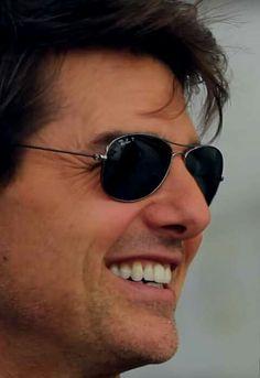 Tom Cruise Hot, Hollywood Men, Top Gun, Katie Holmes, David Beckham, Artemis, American Actors, Recovery, Toms