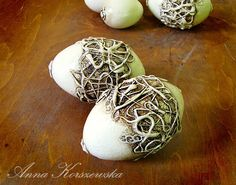 Pisanki - Organic Design Egg Crafts, Easter Crafts, Candle Stand, Happy Easter, Easter Eggs, Decoupage, Organic, Candles, Rustic
