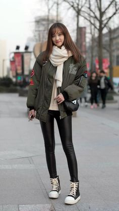 40 Best Street Fashion Outfits For Best Street Fashion Outfits For Ideas Fashion Street Style Chinese – Fashion Trends 201967 Ideas Fashion Street Style Chinese Fashion Look at Shanghai Airport on Korean Fashion Kpop, Korean Fashion Trends, Korean Street Fashion, Ulzzang Fashion, Trendy Fashion, Korean Winter Outfits, Winter Mode Outfits, Korean Fashion Winter, Winter Fashion Outfits