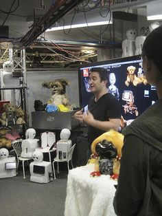 Personal Robots student David Nunez talks about Nexi and social robotics in a demo.