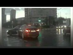Il #mistero dell'auto #fantasma che spunta dal nulla, ecco il #video che sta appassionando tutto il mondo. http://www.youtube.com/watch?v=DeoaQX0BA10