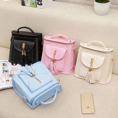 Рюкзак необычен тем, что его можно носить и как сумочку. Красивые летние цвета. Ссылка: http://ali.pub/wf85b