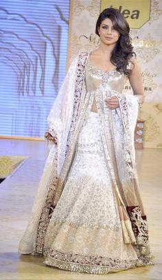 $264.44 Priyanka Chopra White Bollywood Wedding Lehenga Choli 25965