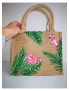 Diy Jute Bags, Hessian Bags, Jute Crafts, Fabric Crafts, Sewing Crafts, Painted Canvas Bags, Painted Hats, Hand Painted, Fabric Paint Designs