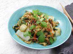 Nudelwok med fläskfärs och pak choi | Recept från Köket.se
