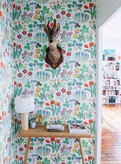 10 Amazing Wallpapered Entryways   Design*Sponge