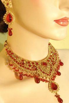 Exotic Jewelry Set