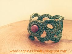 Happiness Crafty: Crochet bracelet ~ Free Pattern