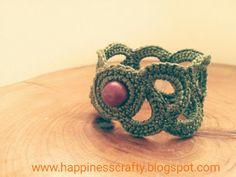 Happiness Crafty: Crochet bracelet ~ Free Pattern