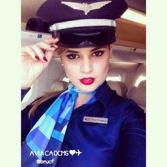 Azul Airlines Stewardess, Que bonecaa! Lindíssima Bue Angel. Sucesso Bru ❤✈ #crewlife #future #flightattendant  #aeromoças #aeromoça #comissáriadebordo #azulinhasaereas #stewardess #fly #revistatripulante #aero #tripulantes #aviacaocms #comissariasdevoo #azul #blueangel #voeazul #cabincrew