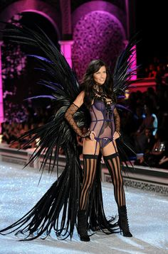 Model Adriana Lima 2011 Victoria's Secret Fashion Show