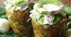 Sałatka z ogórków na zimę. Ogórki dokładnie myjemy, kroimy nożem w plastry lub ścieramy na szatkownicy. Cebulę obieramy,... Sprawdź! Fresh Rolls, Preserves, Pickles, Cabbage, Jar, Homemade, Canning, Vegetables, Ethnic Recipes