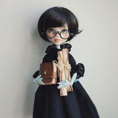 #miniature#miniatures #handmade #ooak #leatherwork #leatherbook #monsterhigh #monsterhighminis #repaint