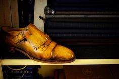 Double-tap on the image please if you prefer to wear the bespoke shoes and dresses. #bespoke #taylor #sartoria #shoemaker #sumisura #handmade #best #in#the #world #shoes #обувь #ткани #одежда #клуб #nature #lights #scarpe #combray #literatura #poetry