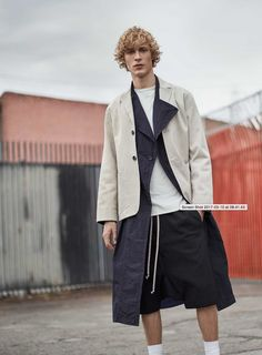 A tonal palette. Lightweight fabrics. Pared-back design. Build a wardrobe of versatile staples to mix and match throughout the seasons – the key to transitional dressing.