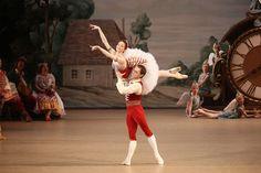 Bolshoi Ballet's Ekaterina Krysanova as Swanilda and Vyacheslav Lopatin as Frantz in 'Coppelia' Photo by Elena Fetisova Ballet Lifts, Bolshoi Ballet, Silhouette Art, Gymnastics, Ballet Skirt, Yoga, Dance Photos, Dancers, Nutella