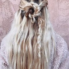 How adorable are @whitneybearr's micro plaits?! #OnTrendNow