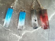 Jednoduché přívěšky s kapkou barvy a korálky. Resin, Personalized Items