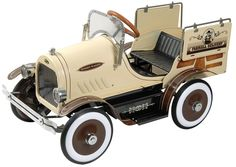 Deluxe Woody Wagon Roadster Pedal Car — Dexton