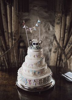 bunting wedding cake | www.onefabday.com