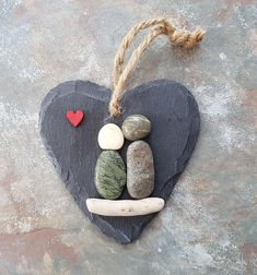 Unique valentines gift for her, newlywed gift, pebble art couple, small slate heart - MADE TO ORDER - ****To ensure delivery in time for Christmas, All custom orders to be received by December. Unique Valentines Day Gifts, Valentines Diy, Stone Crafts, Rock Crafts, Christmas Gifts For Couples, Christmas Crafts, Caillou Roche, Art Couple, Couple Beach