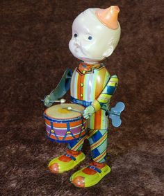 Prewar Drummer Boy. Tin Celluloid Wind up toy 1930s.