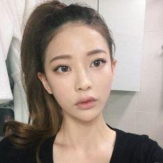 Asian Inspired Makeup, Bora Lim, Asian Makeup Looks, Makeup Looks Tutorial, Asian Hair, Grunge Girl, Beautiful Morning, Belleza Natural, Girl Crushes