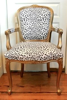 Old Metal Chair - Chair Top View Furniture - Round Chair Plan - Colorful Accent Chair - Chaise Floral, Animal Print Furniture, Chaise Diy, Cafe Chairs, Room Chairs, Dining Chairs, Office Chairs, Lounge Chairs, Reading Chairs