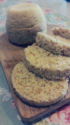Pão de microondas Paleo (de coco e amêndoa)